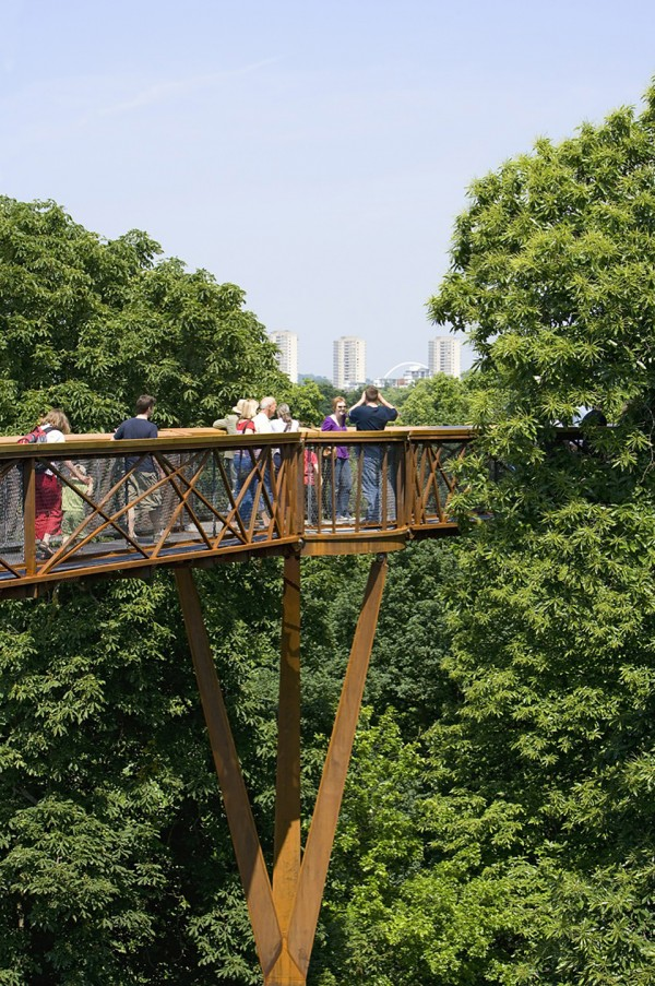 kew tree top walkway rhizotron marks barfield architects peter durant 6 600x903 Kew Gardens Sky High Walkway Overlooks a London Park