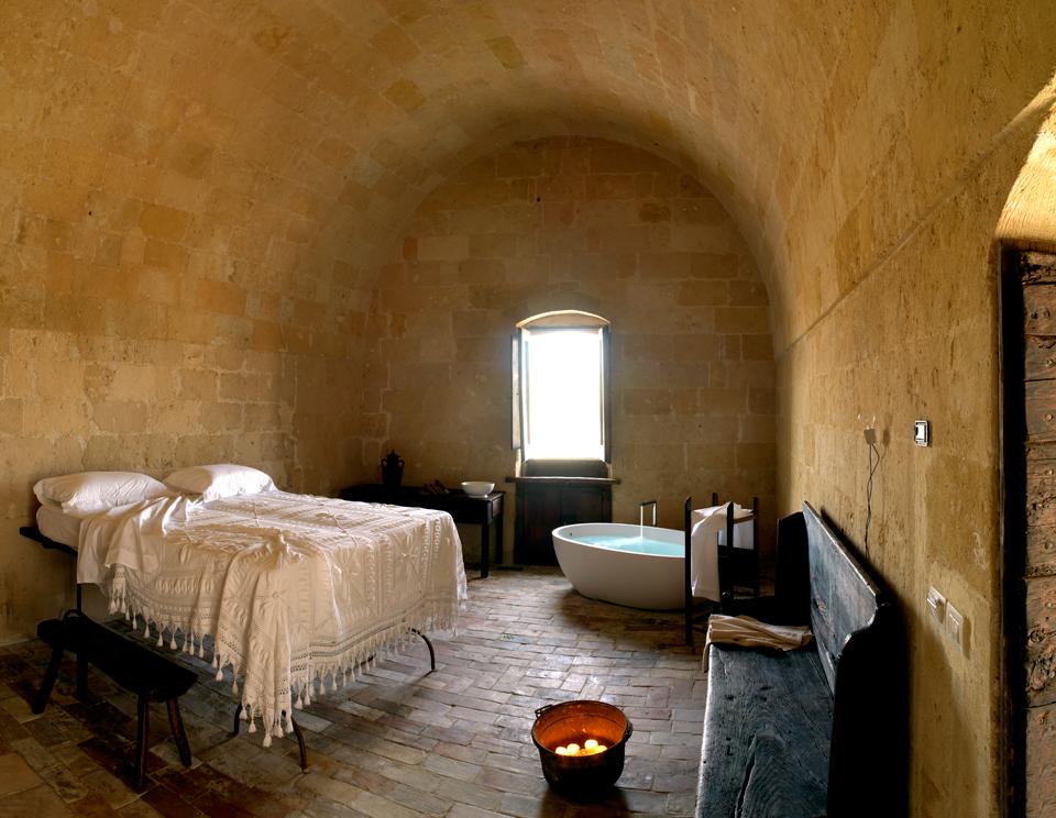 sextantio-della-civita-abandoned-cave-hotel-by-Daniele-Kihlgren-16
