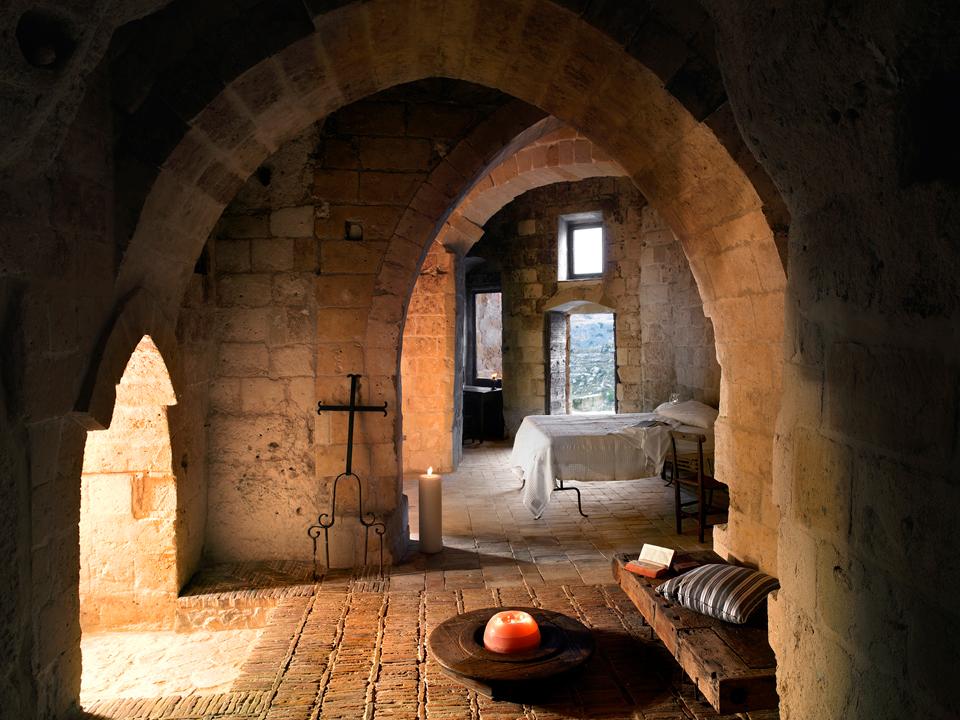 sextantio-della-civita-abandoned-cave-hotel-by-Daniele-Kihlgren-17