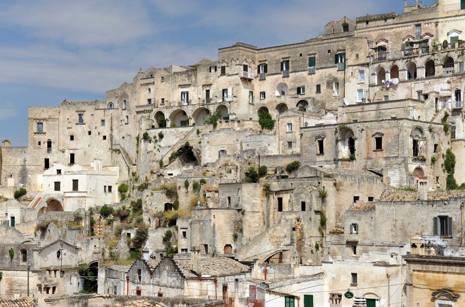 sextantio-della-civita-abandoned-cave-hotel-by-Daniele-Kihlgren-3