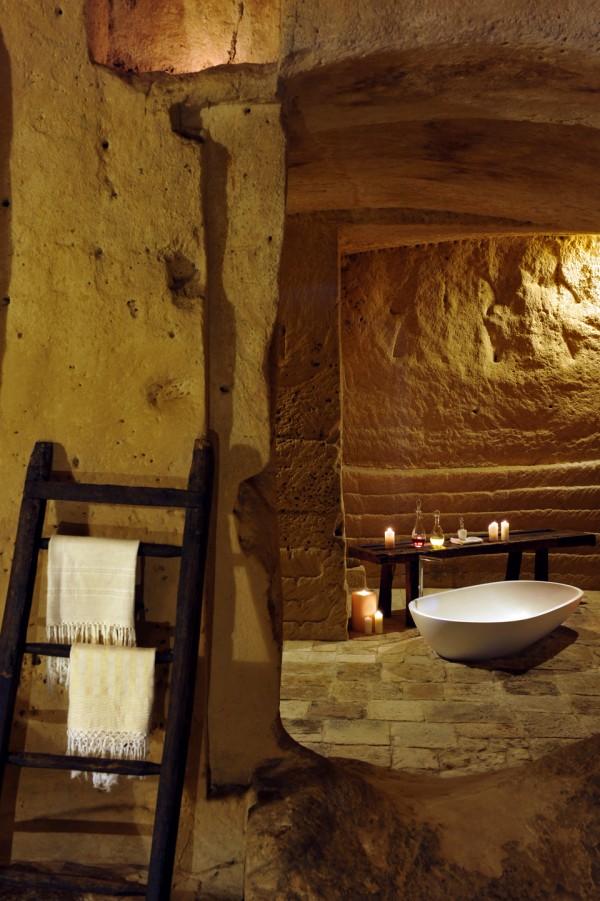 sextantio della civita abandoned cave hotel by Daniele Kihlgren 4 600x901 Sextantio Le Grotte Della Civita Hotel is a Maze of Beautifully Restored Ancient Caves