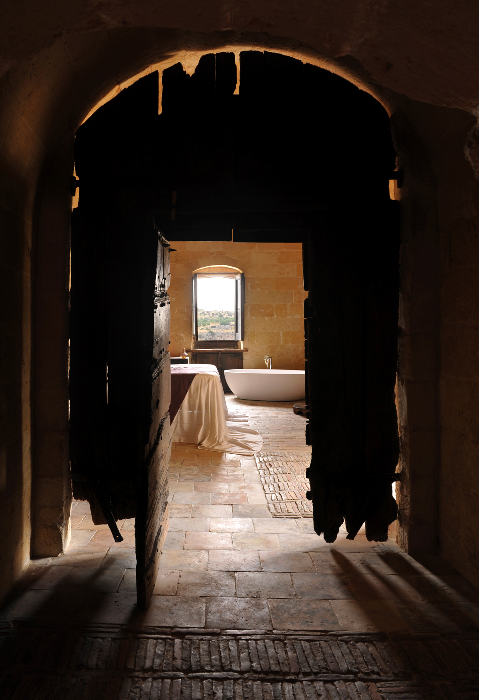 sextantio-della-civita-abandoned-cave-hotel-by-Daniele-Kihlgren-6