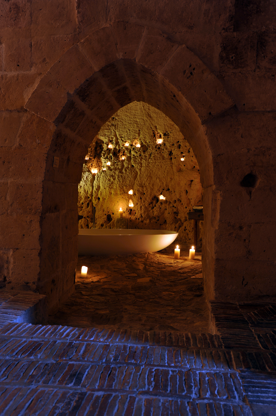sextantio-della-civita-abandoned-cave-hotel-by-Daniele-Kihlgren-7