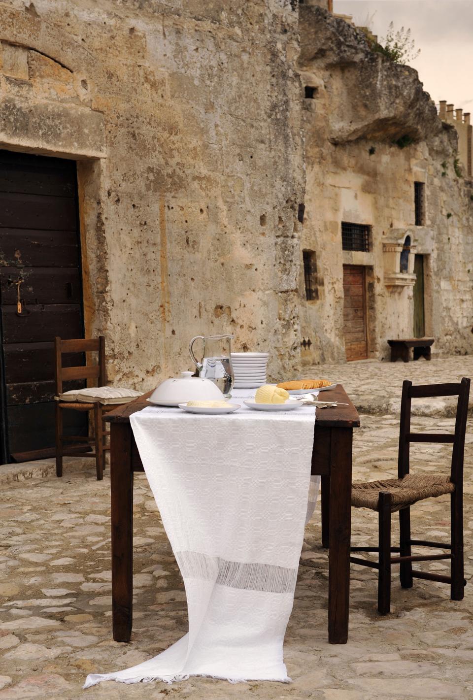 sextantio-della-civita-abandoned-cave-hotel-by-Daniele-Kihlgren-9