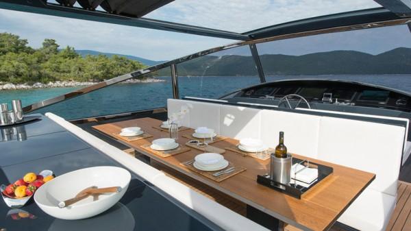 Alen 68 Yacht deck