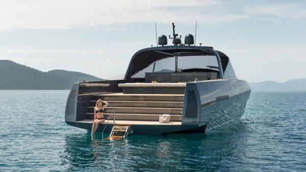 Alen 68 Yacht swim