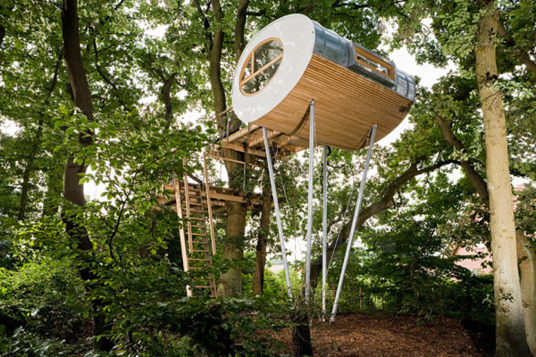 Baumraum Treehouse Djuren 2 600x400 Baumraum Treehouses Reveal Two New Elevated Escapes