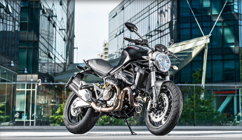 Ducati Monster 821 Motorcycle: a New Lightweight Powerhouse