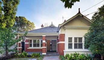 Elwood House Front