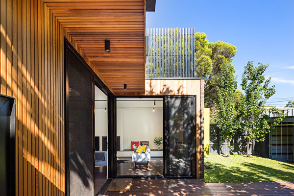 Elwood House by Robert Nichol and Sons 3 600x400 Elwood House Fuses Modern Design with 19th Century Structure