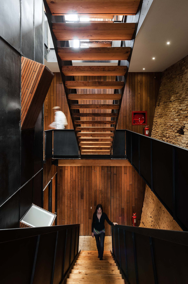 Fauna Hotel Chile by Fantuzzi and Rodillo Arquitectos 3 600x906 Fauna Hotel Chile Merges Classic with Contemporary
