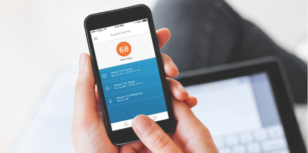 Lyric Smartphone App 600x299 Honeywell Lyric Lets You Control Your Home Environment Anywhere