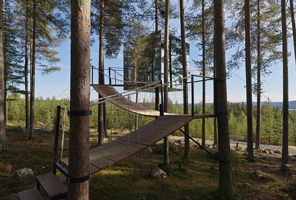 Contemporary Cabins - Mirror Cube at TreeHotel Sweden 1