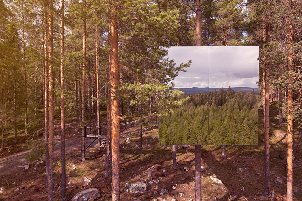 Mirror Cube at TreeHotel Sweden 6
