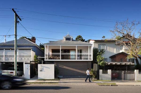 beeston street house by shaun lockyer architects 1 600x399 Shaun Lockyer Architects Reinvents a Stunning Queensland Cottage