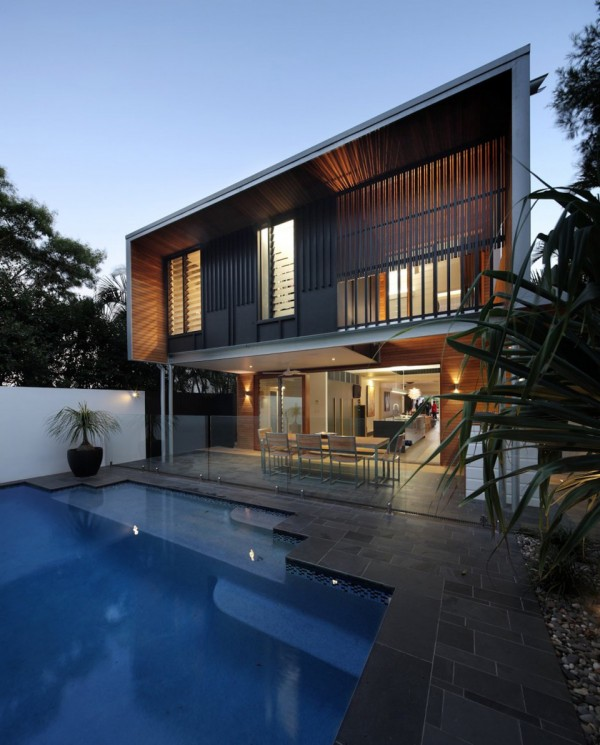 beeston street house by shaun lockyer architects 3 600x745 Shaun Lockyer Architects Reinvents a Stunning Queensland Cottage