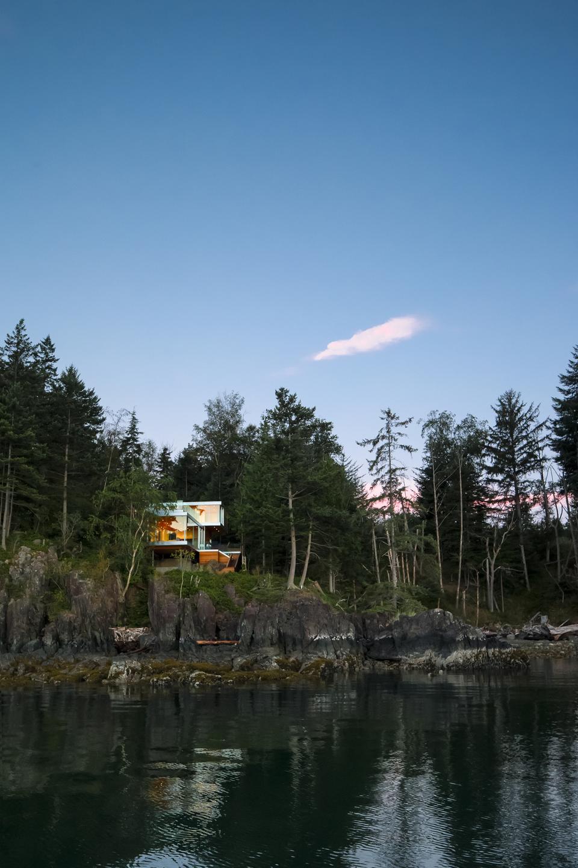 gambier-island-house-by-mcfarlane-green-biggar-1