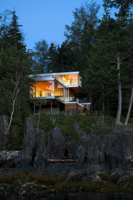 gambier-island-house-by-mcfarlane-green-biggar-9