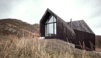 Raw Architecture Workshop - a modern cabin in the scottish highlands