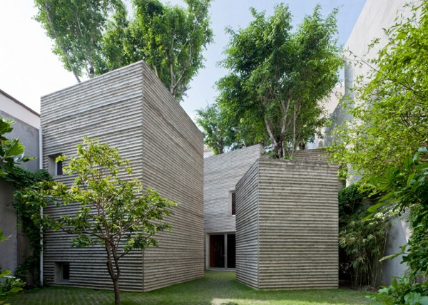 house for trees by vo trong nghia architects 2 600x428 House for Trees has a Green Roofed Forest at its Peak