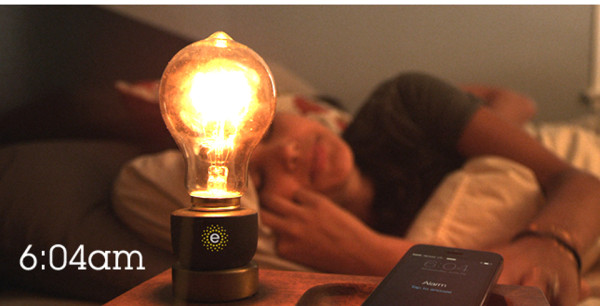 Smart Light Bulb 600x306 Emberlight Turns Dumb Bulbs Into Smart Lights
