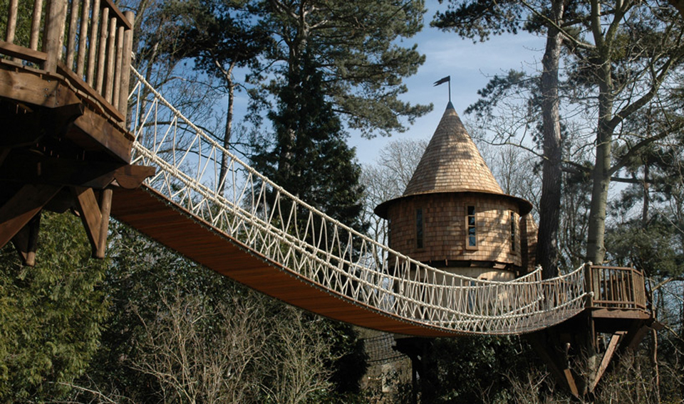 living-the-highlife-treehouse-by-blue-forest-design-3