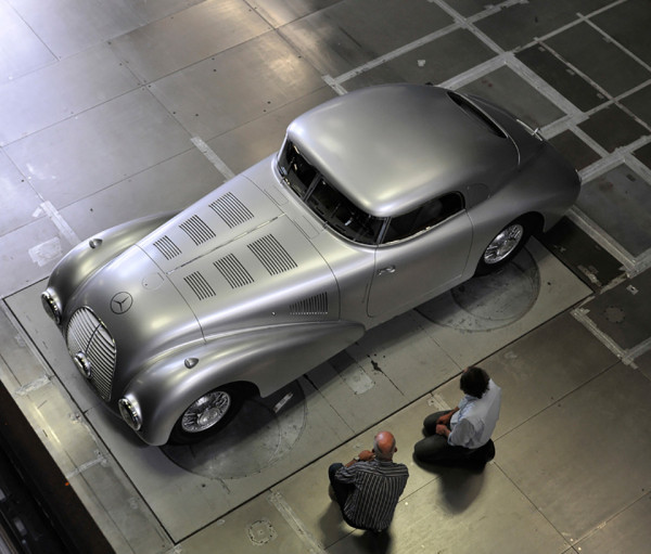 1938 Mercedes Benz 540 K Streamliner 7 600x511 1938 Mercedes Benz 540 K Streamliner