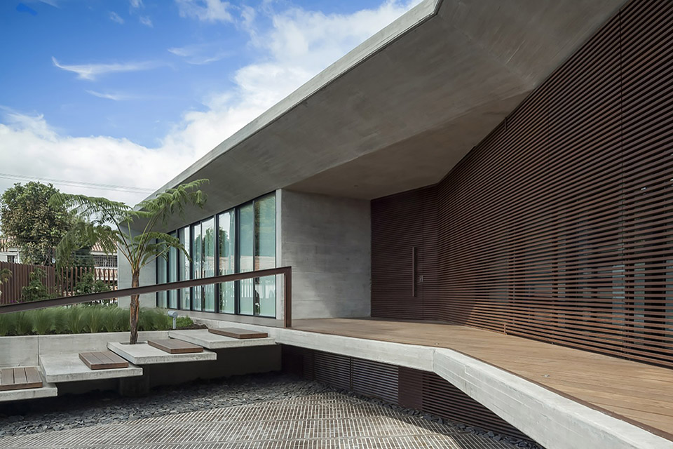 CR House by H+H Architects 10
