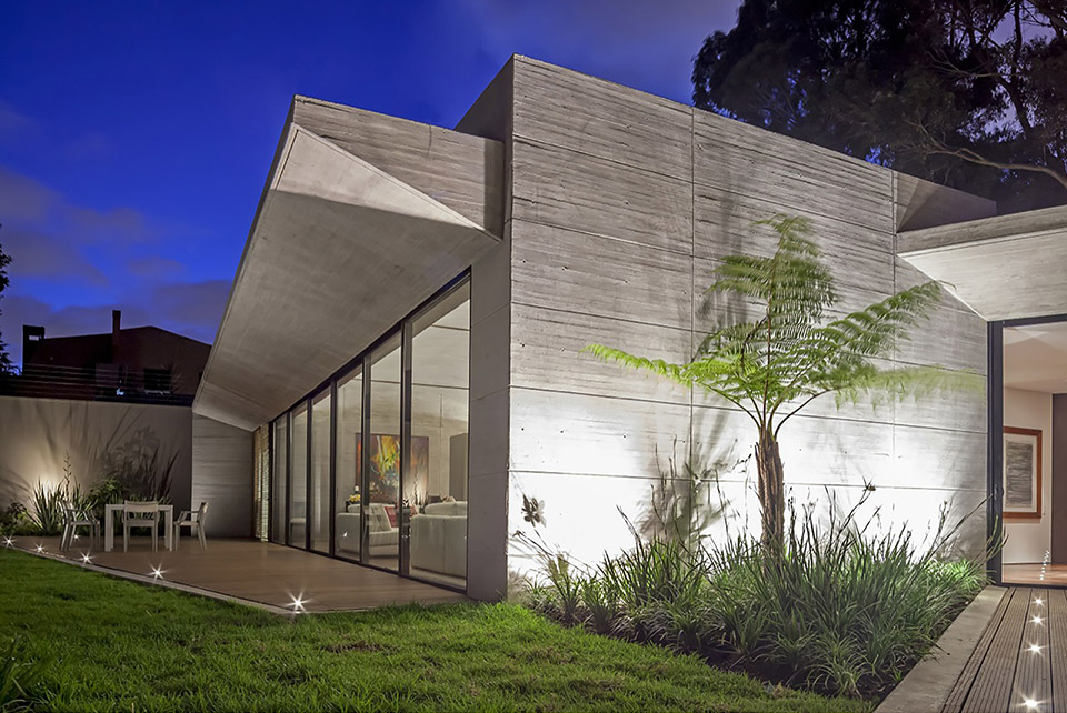 CR House by H+H Architects 11
