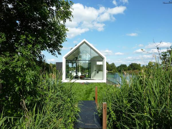 Contemporary Tiny House on an Island 5