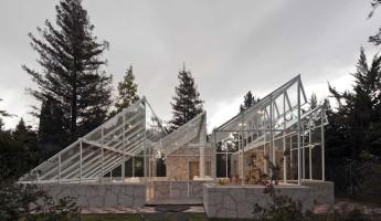 Glass Conservatory House by Lorenzo Alvarez Arquitectos 1