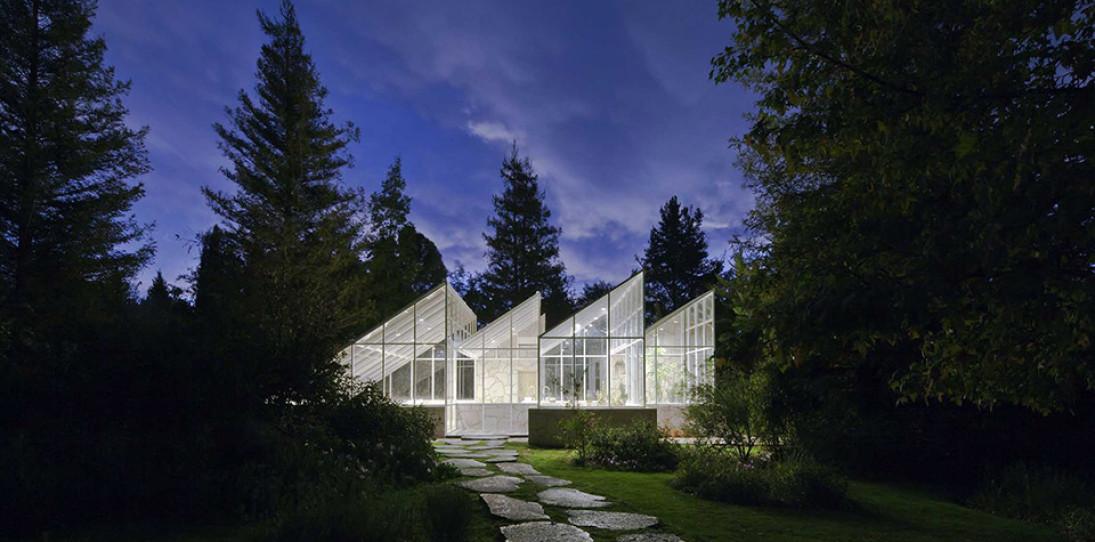 Glass Conservatory House by Lorenzo Alvarez Arquitectos
