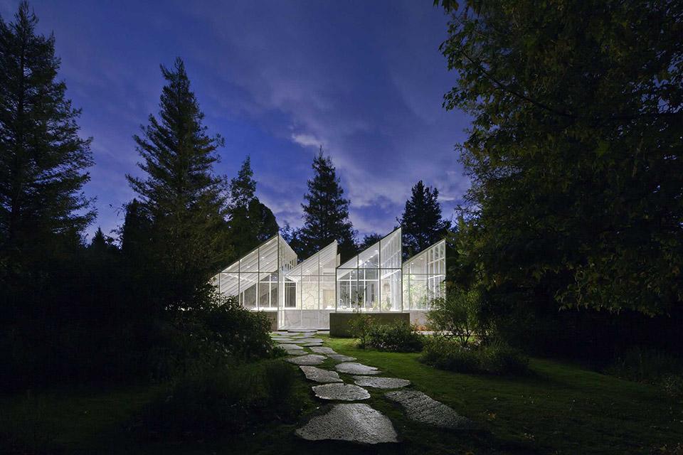 Glass Conservatory House by Lorenzo Alvarez Arquitectos 2