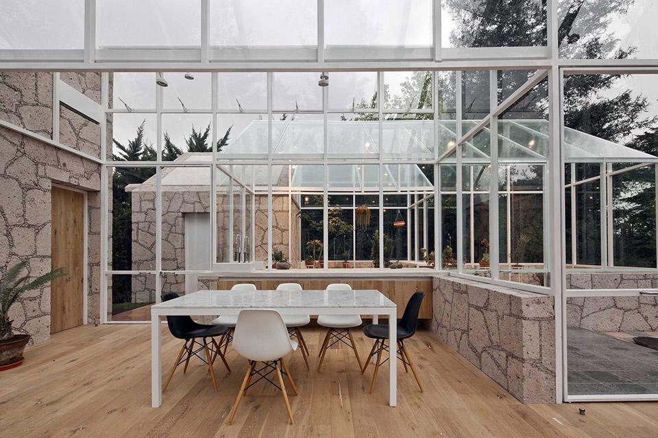 Glass Conservatory House by Lorenzo Alvarez Arquitectos 3