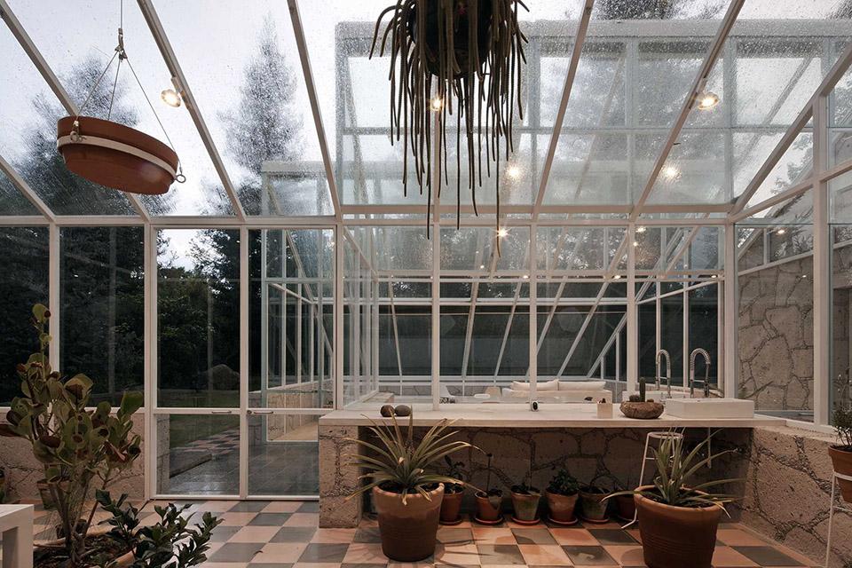 Glass Conservatory House by Lorenzo Alvarez Arquitectos 4