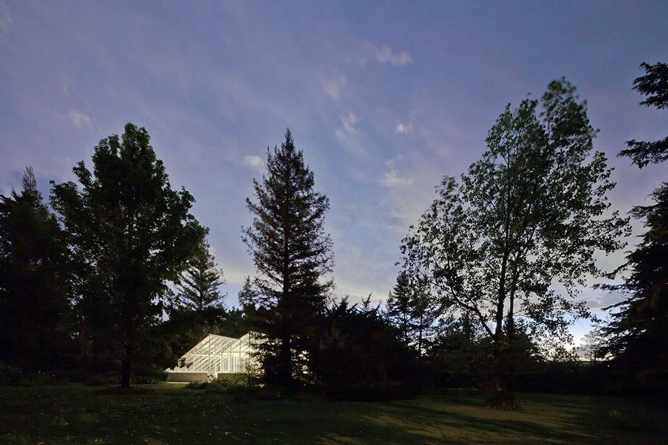 Glass Conservatory House by Lorenzo Alvarez Arquitectos 6