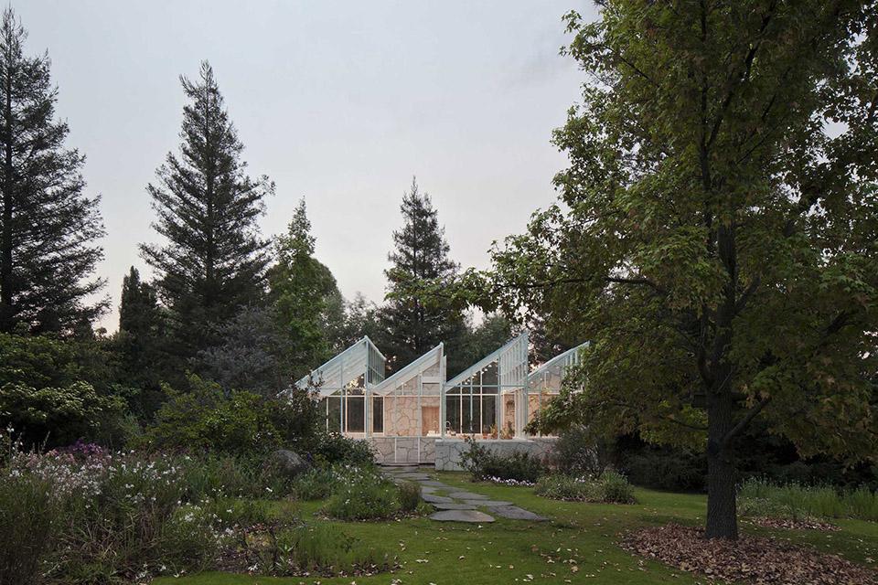 Glass Conservatory House by Lorenzo Alvarez Arquitectos 7