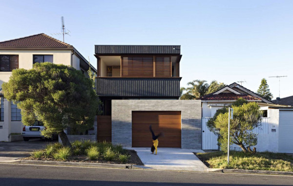 Plywood House by Andrew Burges Architects 1 600x381 Plywood House II is a Stunning Modern Home Hidden in Sydneys Suburbs