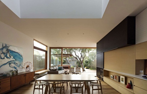 Plywood House by Andrew Burges Architects 8 600x385 Plywood House II is a Stunning Modern Home Hidden in Sydneys Suburbs