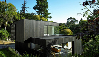 Waiatarua House by Hamish Monk Architecture 1