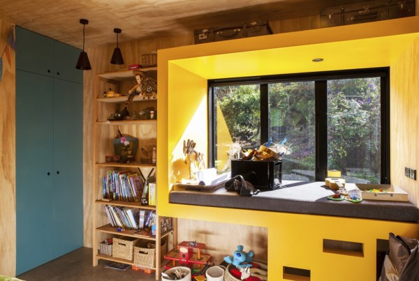 easterbrook house dorrington atcheson architects 2 600x403 Big Living in a Compact Mid Century Modern Home in New Zealand