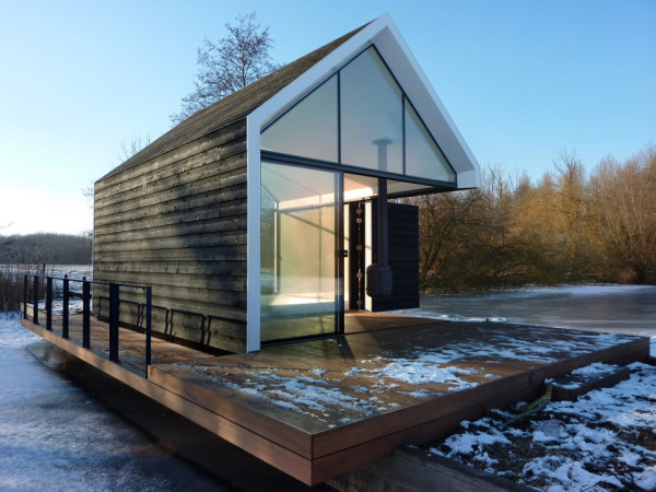 Contemporary Tiny House on an Island 4