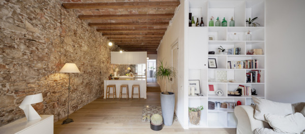 les corts apartment by sergi pons 8 600x265 19th Century Spanish Apartment Restored into Bright Modern Home