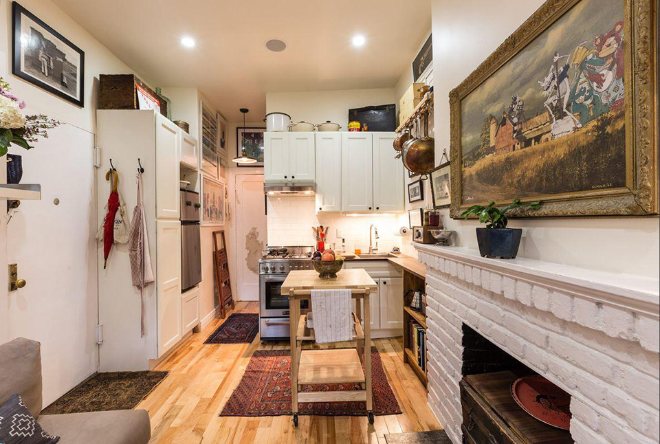New York Couple Squeeze Into A Tiny 242 Square Foot Prewar