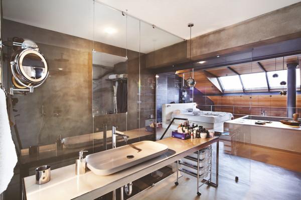 Contemporary-Rustic Karakoy Loft Overlooks Modern Istanbul 11