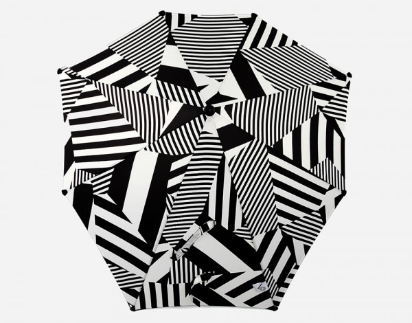 Maharishi x Senz Dazzle Umbrella 3 600x470 Maharishi Senz Umbrella is Art on a Rain Canvas
