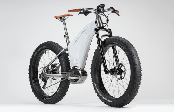 Philippe Starck MASS Bicycles 5 600x387 Philippe Starck MASS Electric Bicycles Are One Hell of a Power Boost