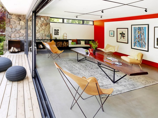 PoolHouse by Tongtong 3 600x447 Renovated Mid Century Pool House is a Luxury Getaway with Multiple Functions