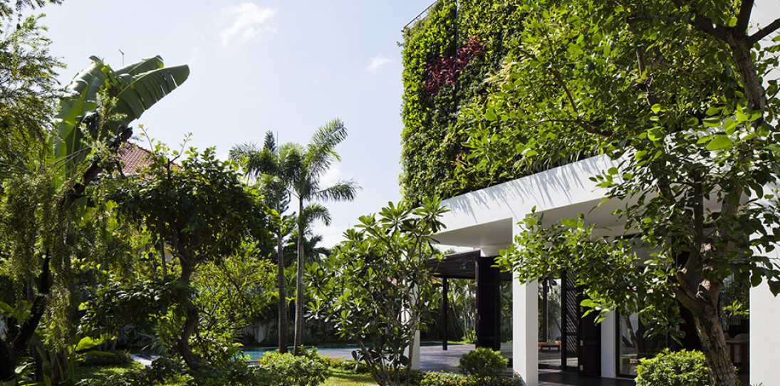 Green Wall Thao Dien House by MM++ House Architects