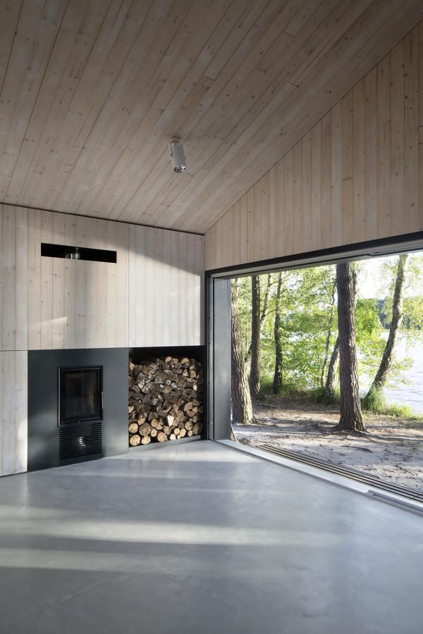 Lake Cabin by Fam Architekti 5